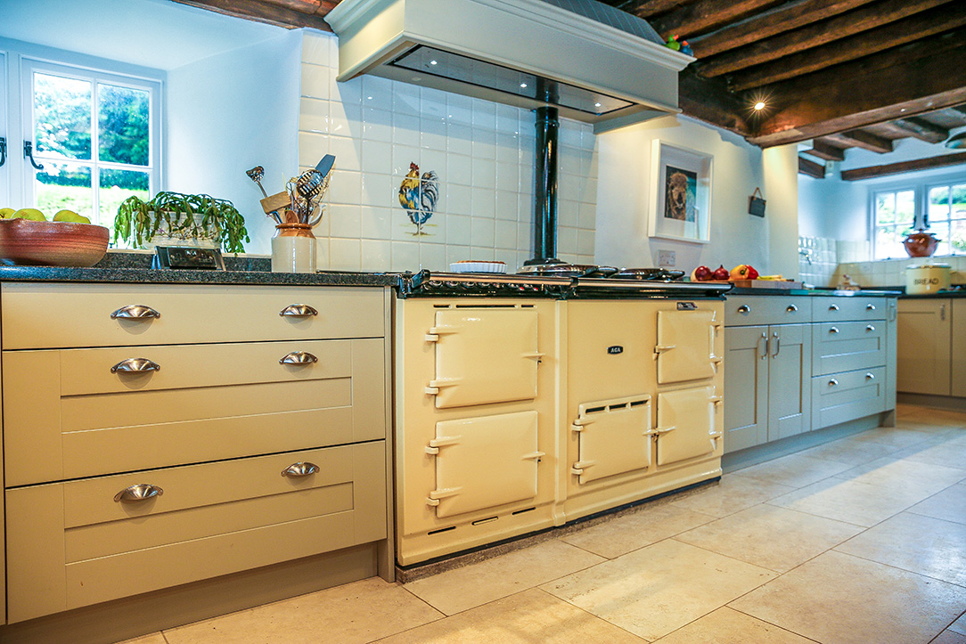Aga-and-Mackintosh-Painted-Shaker-2