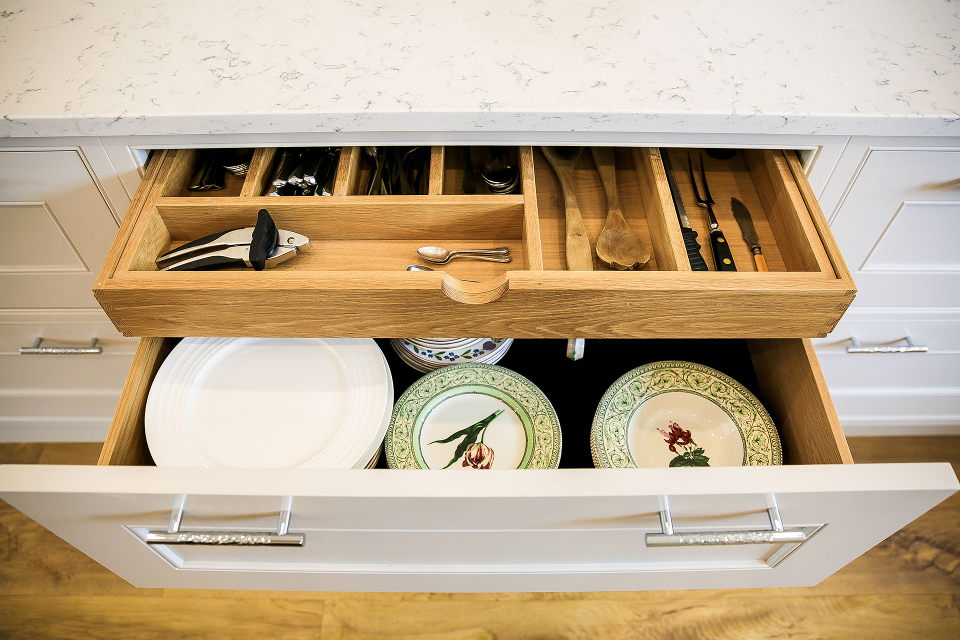 deep-kitchen-drawer-storage